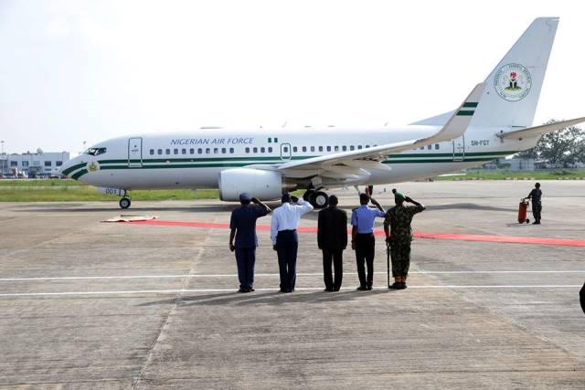 Buhari_Calabar_salute