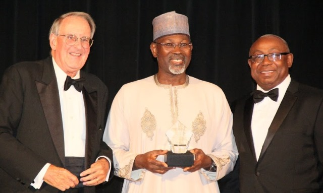 L – R: Former President of the MacArthur Foundation and presently President of the American Academy of Arts and Sciences, Jonathan F. Fanton; former INEC Chairman, Professor Attahiru Jega; and U. S.-based Nigeria Higher Education Foundation (NHEF) President, Wale Adeosun, at the presentation of the Integrity Award in New York, United States….recently