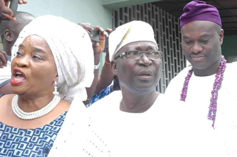 L – R: Princess Margret Ogunwumi, Step Mother of the new Ooni; Prince Ropo Ogunwumi, father of Ooni elected and Oba Adeyeye Ogunwumi Enitan, Ooni-elect