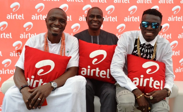 L-R, Airtel Brand Ambassador, IK Osakioduwa; Managing Director and Chief Executive Officer, Airtel Nigeria, Mr. Segun Ogunsanya with Brand Ambassador, Bowoto Jephta a.k.a Akpororo at Banana Island Cultural Festival held on Saturday in Lagos