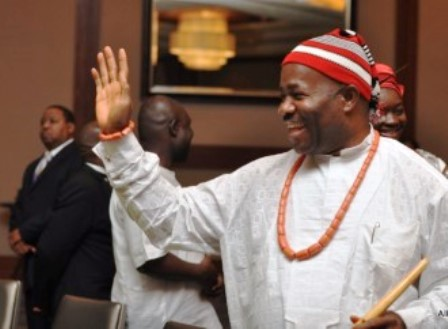 Group hails EFCC over Akpabio's arrest