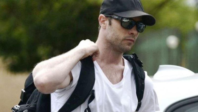 Oscar Pistorius begins community service