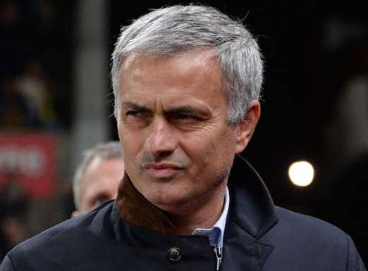 Mourinho hails United for silencing 'noisy' Anfield