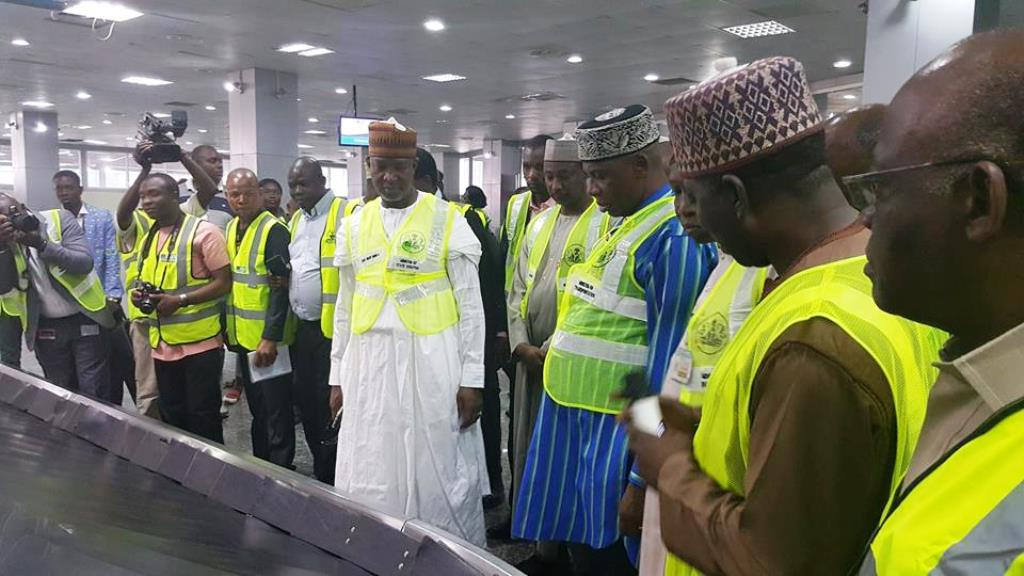 Amaechi impressed with Lagos Airport, orders FAAN to get new headquarters