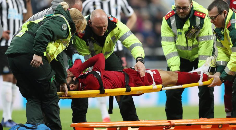 Liverpool returns to Premier League top as Salah injured
