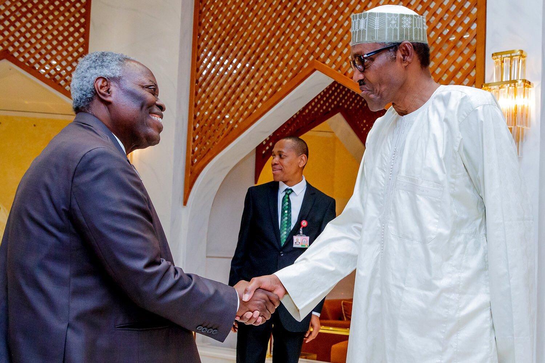 Buhari greets Pastor Kumuyi at 78