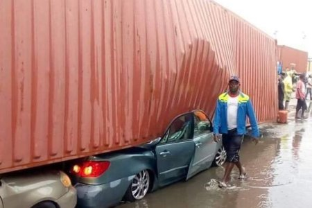 Truck Accident: NPA clears right of way at Tin Can Island Port