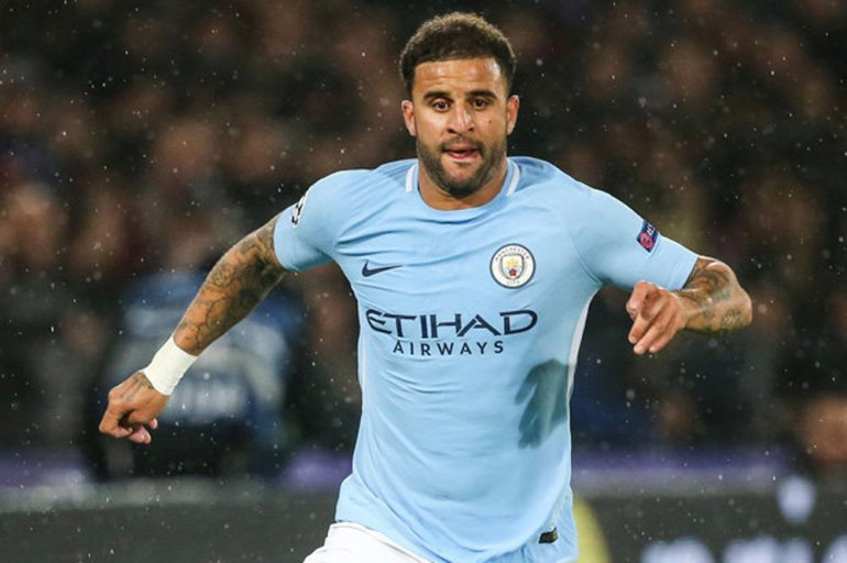 Walker extends Manchester City contract to 2024
